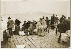 מהגרים באי ''אליס איילנד''