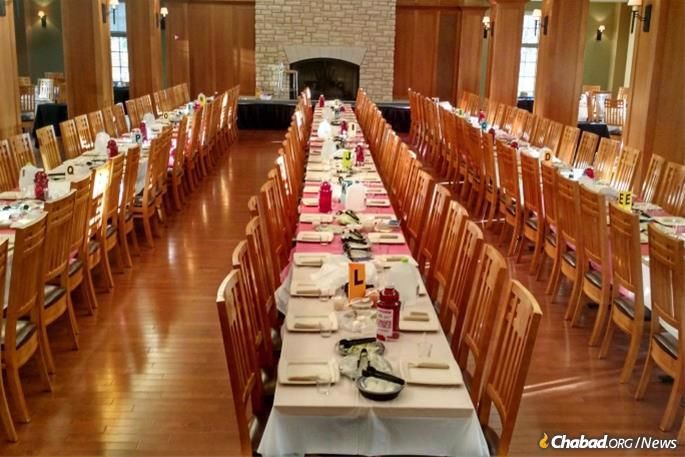 Communal Passover Seders such as the one at Chabad on Campus at Washington University, above, have been canceled, Chabad is therefore stepping up to provide essential resources to those on and off campus so that at least they can celebrate the holiday in a meaningful way.