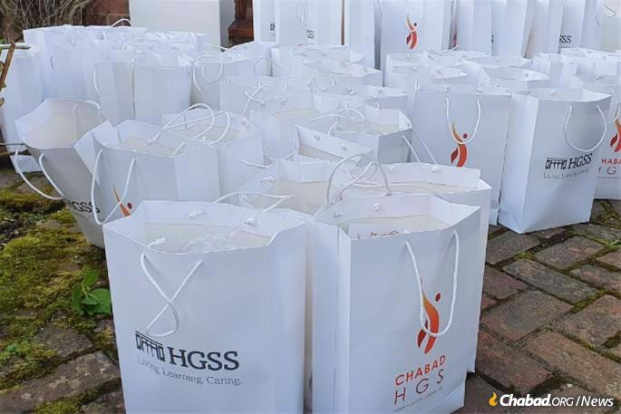 By Friday morning all 100 care packages were delivered to the homes of elderly or vulnerable Jewish community members in Hampton Garden, London.