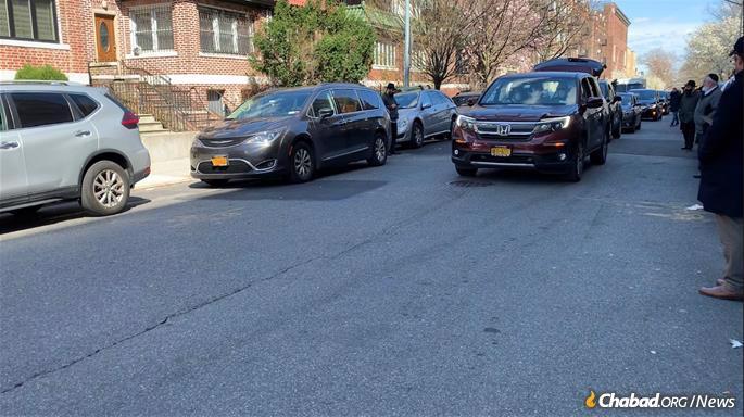 The funeral of Rabbi Yisroel Friedman, the rosh yeshivah of Oholei Torah, passed through the streets of Crown Heights.