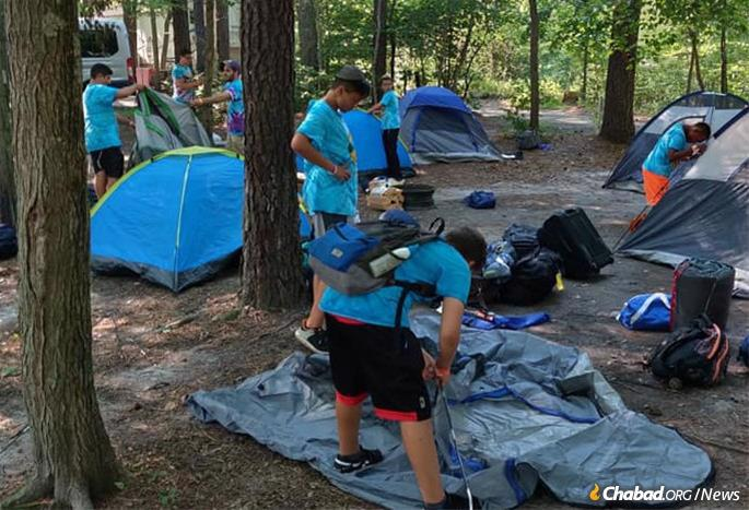 While it's hard to replicate some experiences, leaders are determined to create the most meaningful and enjoyable programs for campers once again this year. (Photo: Camp Gan Israel, Cherry Hill, N.J.)