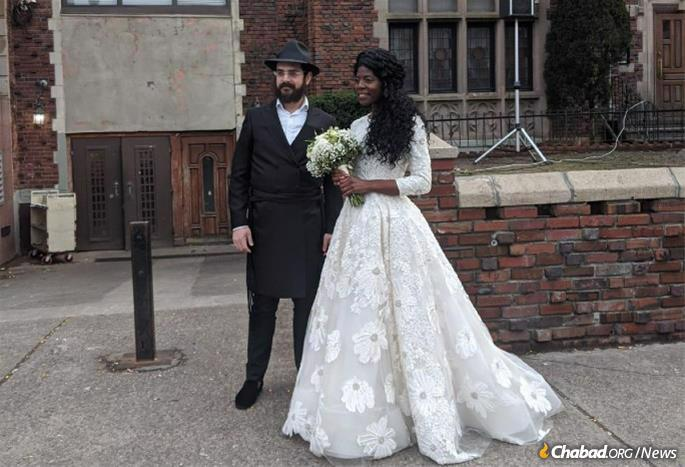 As of March 12, Ilana and Srulick Ybgi were expecting to celebrate their wedding in London on March 30. After a flurry of phone calls with Devorah Benjamin of Chevrah Simchas Chosson VeKallah of the Crown Heights neighborhood of Brooklyn, N.Y., a wedding was arranged there a week later on March 19.