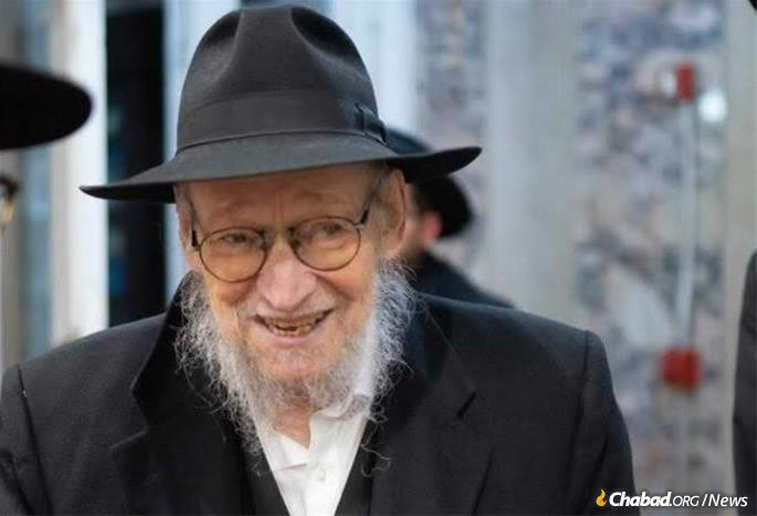 Rabbi Schwei continued to serve as a community rabbi until his passing.