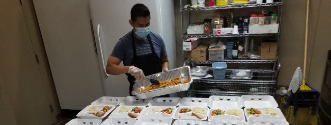 Chicago Kosher Food Bank Sees 600% Increase in Distributions