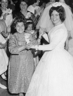 Maryasha together at her grandaugher Henya Laine's wedding in 1965.