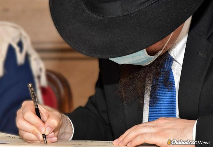The groom's search in Judaism eventually led him to Rabbi Menachem Lazar of Chabad Piazza Bologna in Rome, above, who officiated at the ceremony. Over the years, Marco grew close to the rabbi and his commitment to Jewish life increased. (Photo: Stefano Meloni)