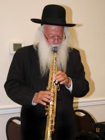 Rabbi Tuvya Bayles (Photo: The Lakewood Scoop)