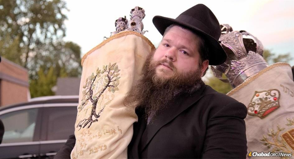 Rabbi Motti Kopman, 34, faced cancer, COVID and death with invincible joy.