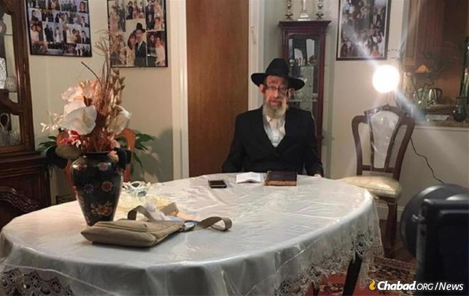 Rabbi Yosef Gourarie of Oak Park, Mich., records an in-depth lesson of Likkutei Sichot in Yiddish. Presentations are available for students in a number of languages and on every level.