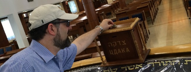 November 2020: College Professor With Autism Is at Home With Chabad Wherever He Goes