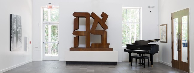 'Ahava' Sculpture by Robert Indiana Finds Home in Florida Chabad Center