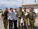 בבסיסי צבא