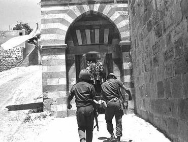 Israeli soldiers entering the Cave of the Patriarchs, the Me'arat HaMachpela, in Hebron.