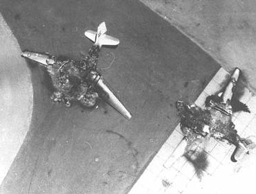 Egyptian planes destroyed in Sinai air bases on the first day of the war.  Photo: Israel National Photo Archive