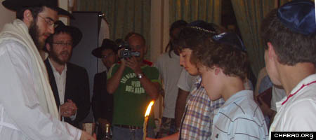 A Havdalah ceremony in Ho Chi Minh, Vietnam, marks the end of Yom Kippur.
