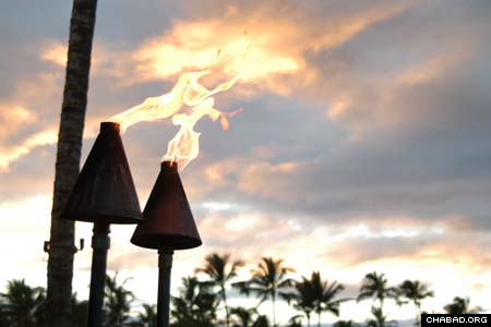 Evening descends on the Ihilani Resort at Ko Olina, signaling the beginning of Hawaii's first-ever Chasidic wedding. (Photos: Yosef Lewis)