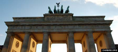 The Brandenburg Gate in Berlin, which Jewish students from the University of Illinois at Urbana-Champaign will visit as part of an alternative Spring Break trip