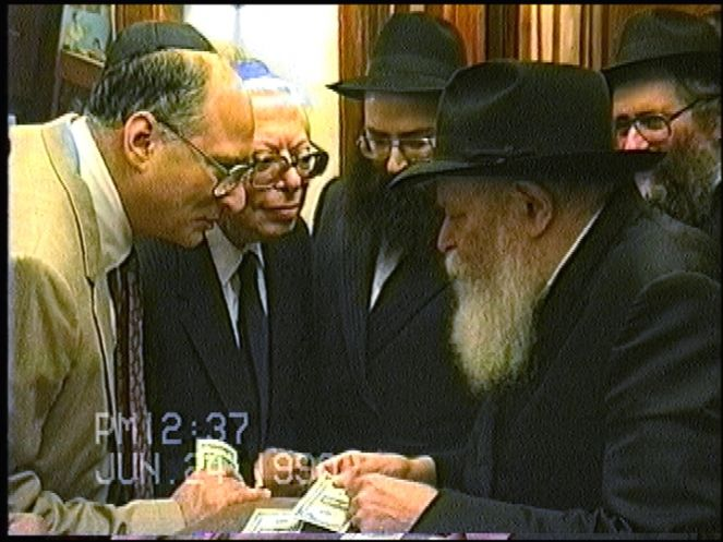Rabbi Slonim & Friends with the Rebbe.JPG