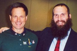 Ilan Ramon (left) with Rabbi Zvi Konikov
