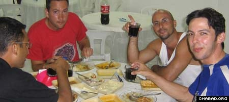 Jews from all walks of life can have a kosher meal at pretty much any time of the day at Chabad-Lubavitch of Salvador, Brazil.