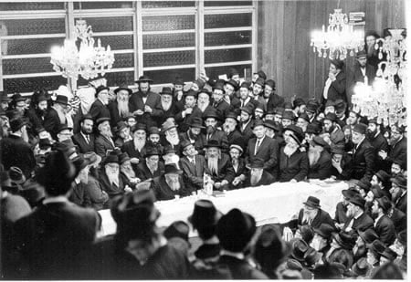 A Farbrengen with the Rebbe in 1968