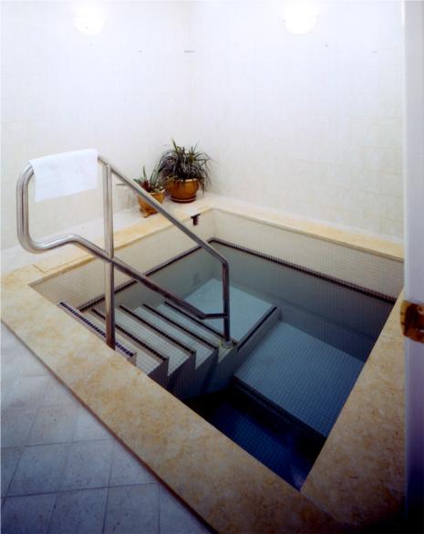 HOBI bath 1002.jpg