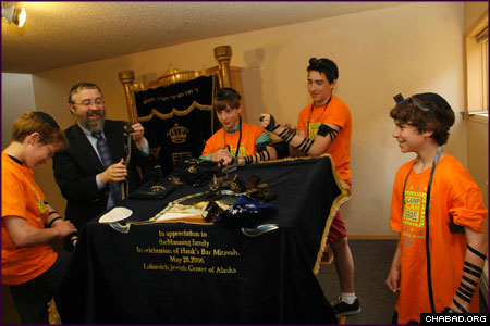 A concluding fun day began with laying tefillin for the post-bar mitzvah boys, who prayed the morning service with Rabbi Yosef Greenberg, director of the Chabad-Lubavitch Jewish Center of Alaska.