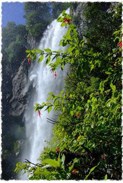 מפל מים בנוקן, ארגנטינה. צילום: סנטיגו מוסקלת
