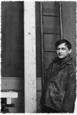 Jacques Lipchitz in his Paris studio at the age of 20