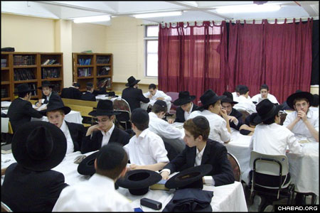 Most of the boys' daytime hours are spent discussing complex topics in the Talmud and their application in Jewish law. The students of the summer yeshiva come from junior yeshivas across Israel and abroad.