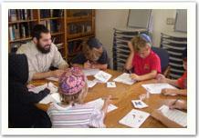 Rabbi Shapiro teaching Sunday Hebrew School