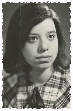 קטיה אומנסקי בצעירותה