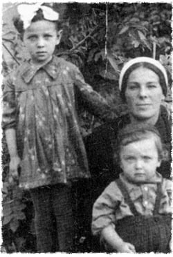 Ita Sosonkin with her two children