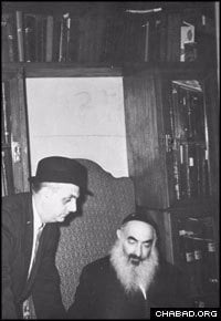 Rabbi David B. Hollander visits with Russian Chief Rabbi Yehuda Leib Levin during one of his many journeys to the Soviet Union. (Photo courtesy of JEM)