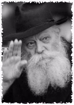 The Rebbe, Rabbi Menachem Mendel Schneerson, of righteous memory, on the morning he suffered a stroke. (Photo: Fridrich Vishinsky)
