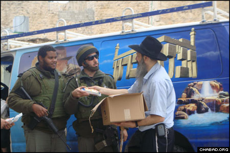 Los Angeles' Chabad Israel Center sponsored boxes of care packages that were delivered to hundreds of Israeli soldiers stationed in and around Hebron.
