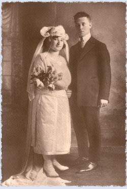 Rivkah and Chaim Dovber Chaiton on their wedding day