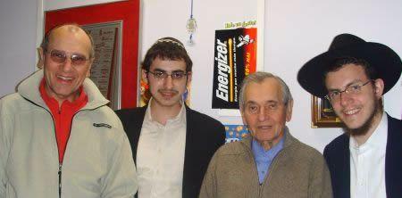 בילינו זמן רב בשיחה ידידותית עם יהודים אלו