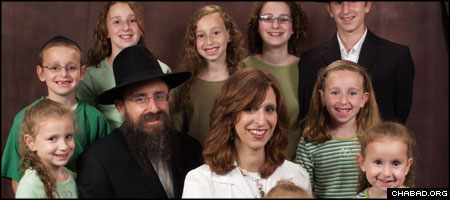 Rabbi Ephraim Simon told his nine children that his kidney donation would be their gift to a critically ill man.