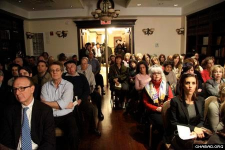 The crowd spilled out into the hallway, which was standing room only. (Photo: David Levi)