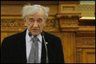 Elie Wiesel to Hungary: Be Strong in Fighting Hate