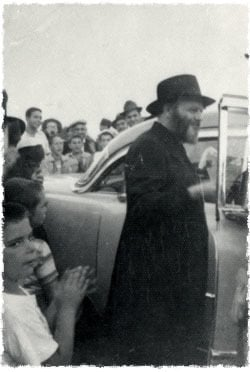 The Rebbe during one of his visits to Camp Gan Israel
