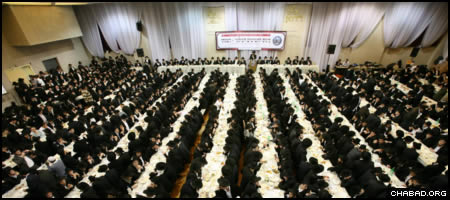 An annual conference in New York timed to coincide with celebrations of 60 years of the Rebbe's leadership drew close to 3,000 students from more than 30 rabbinical colleges around the world.