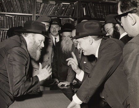 The Rebbe greets walmly every individual from the Israeli delegation.