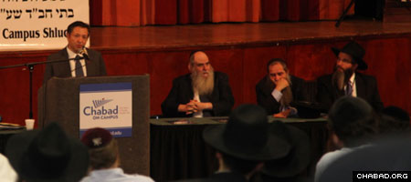 Philanthropist George Rohr addresses the annual Chabad on Campus conference in upstate New York. (Photo: Bentzi Sasson)