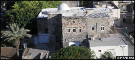 A robbery in the Old City of Tiberias put a synagogue's restoration plans on hold. (Photo: Deror Avi)