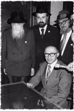 Prime Minister Begin explains why it was so important for him to meet the Rebbe prior to traveling to President Carter. (Photo: Velvel Schildkraut (Michele) Studios/Kahn family)