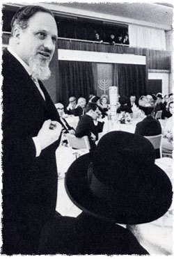 United Kingdom's Chief Rabbi Immanuel Jakobovits speaks at the opening of Lubavitch House in London