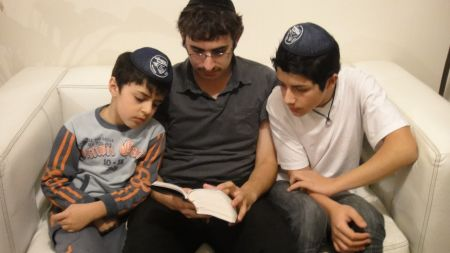 Reading Torah together in Iquique.