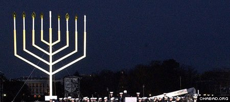 A U.S. military band plays Chanukah melodies at the annual lighting of the National Menorah in front of the White House. (File photo)